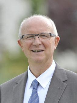 Jean DESESSART Maire de La Croix Saint Ouen Conseiller départemental délégué aux sports Et Vice-président de l'ARC délégué à l'économie.